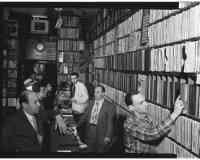 BIS AUFS MESSER Recordstore